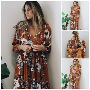 Dresses & Skirts - NWT Asian Inspired Long Sleeve Maxi Dress